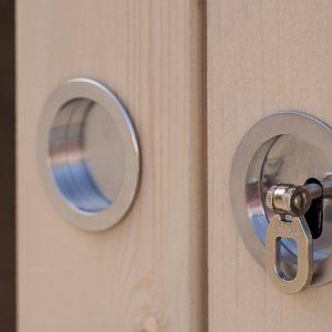 Dettaglio maniglia porta casetta Cubo