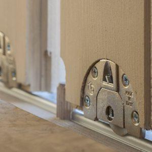 Dettaglio scorrevole porta casetta Cubo