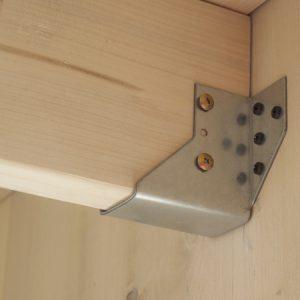 Dettaglio staffa tetto casetta Cubo