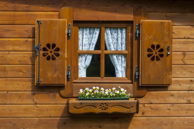 Fioriera casetta rustica la pratolina - Costruire una finestra ...