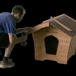 montaggio cuccia per in legno cornci tetto