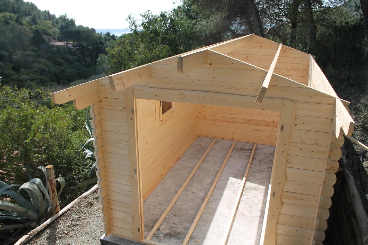 Come costruire una casetta in legno la pratolina - Costruire una finestra fai da te ...