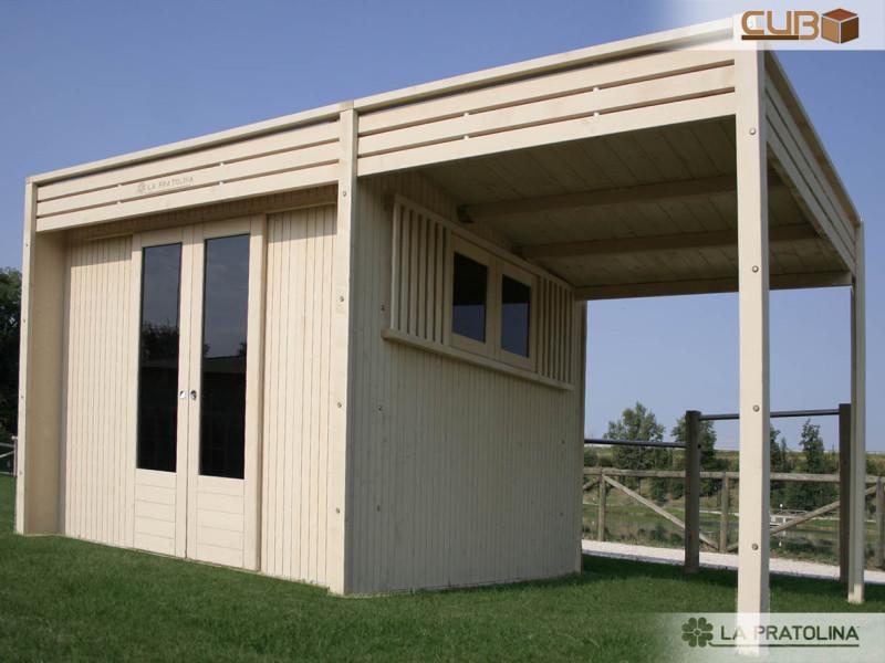 Casetta in legno moderna 3x3 con tettoia la pratolina for Portico moderno