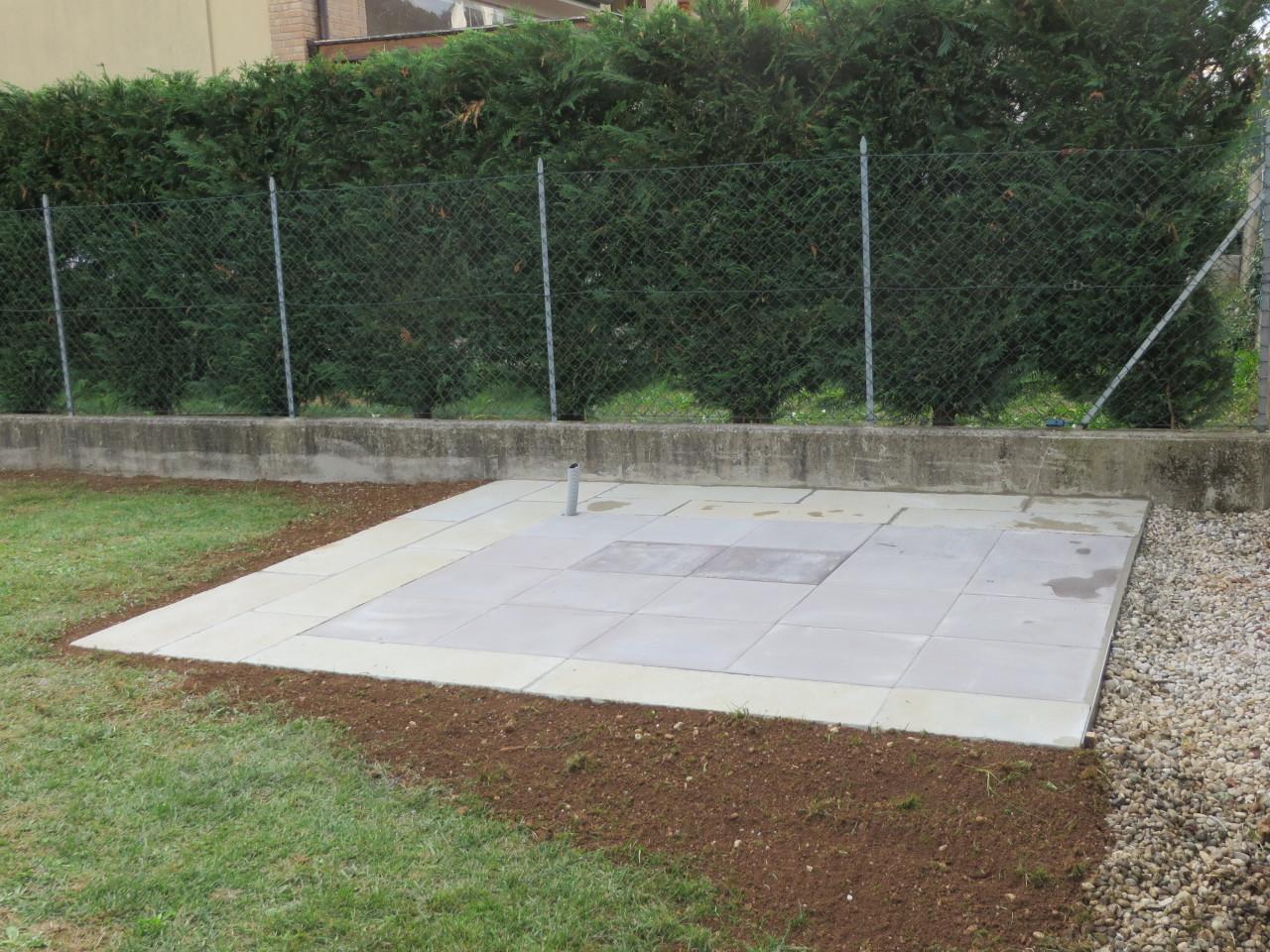 Realizzare un basamento per casette di legno - Pavimentazione giardino in legno ...