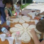 Durante il laboratorio di Falegnameria i bambini si sono divertiti a realizzare dei simpatici portapenne in legno.